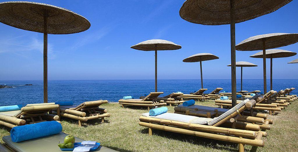Et prenez le soleil sur la plage privée !