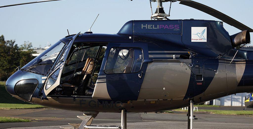 ... Succombez à l'option vol en hélicoptère au dessus de Paris, proposée avec supplément