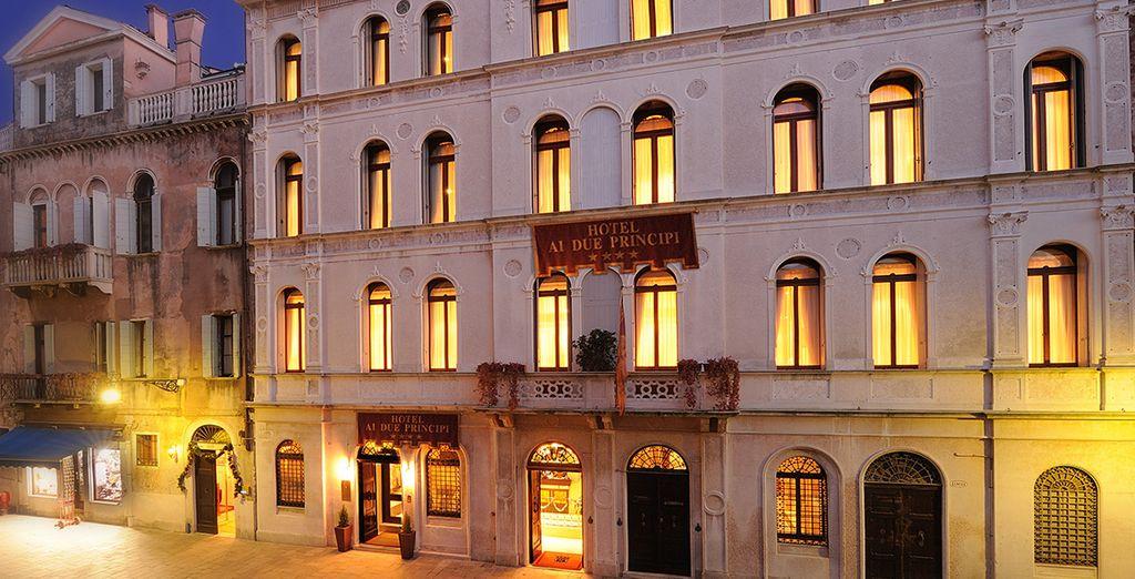 Idéalement situé sur les canaux de la Sérénissime - Hôtel Ai Due Principi 4* Venise