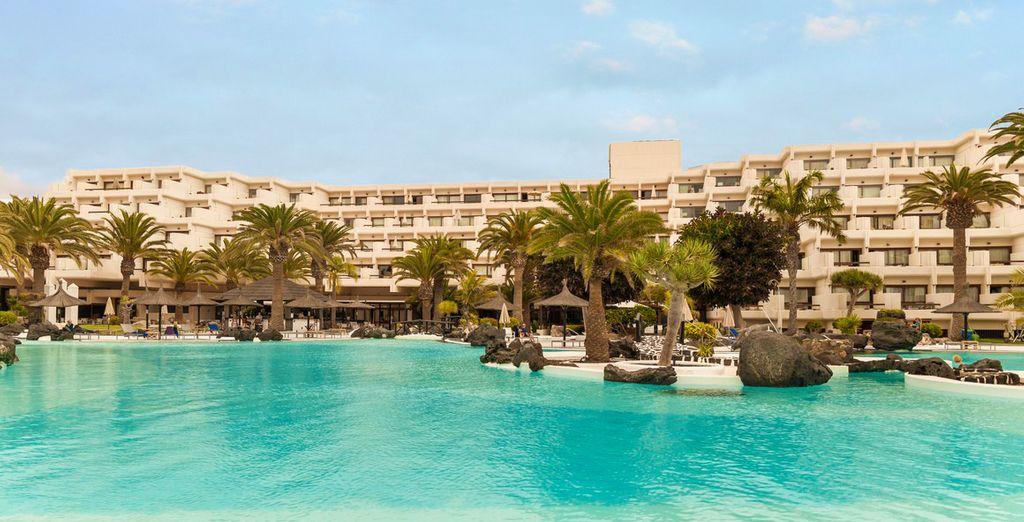 Poussez les portes de l'hôtel Melia Salinas 5* - Grand Hôtel Melia Salinas 5* Costa Teguise