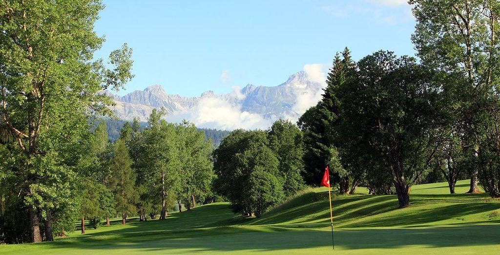 Finissez par améliorer votre swing sur un parcours de golf...