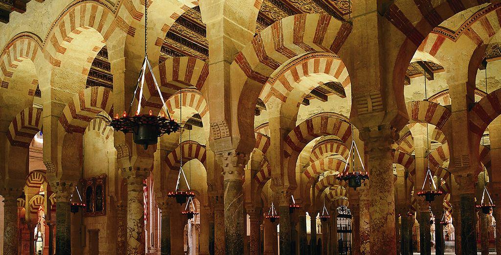 Vous ne manquerez pas de découvrir sa fameuse Mezquita...