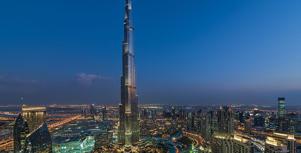 Offrant une vue incroyable sur l'emblématique Burj Khalifa