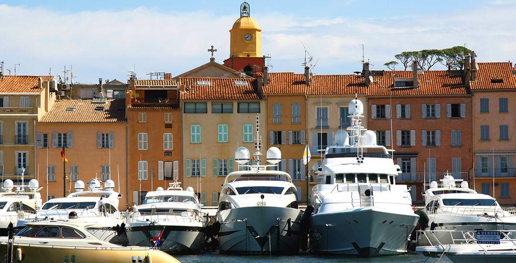 Avec son port et ses sublimes Yachts...