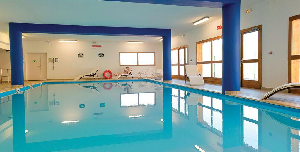 Détendez-vous dans la piscine intérieure chauffée