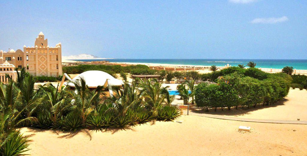 Flânez sur la plage de sable fin, pour un moment romantique...