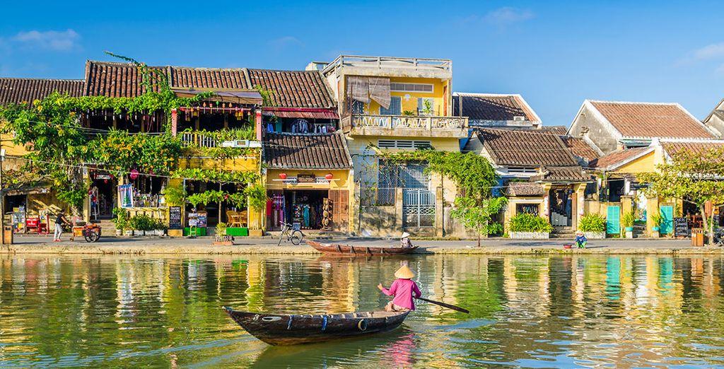 Enfin vous ferez étape dans la charmante ville de Hoi An