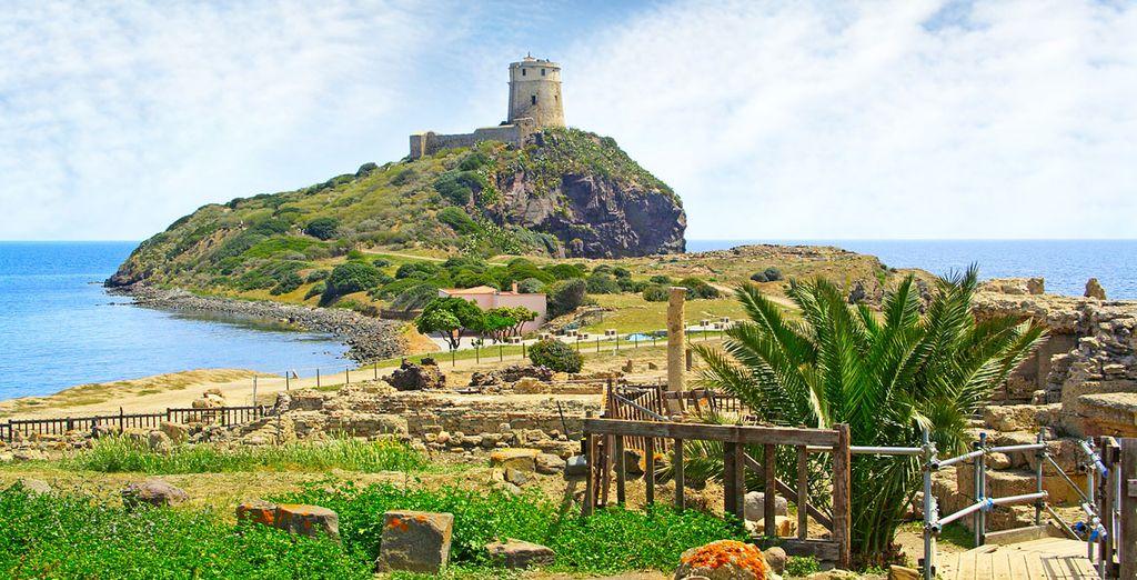 Durant votre séjour, visitez les ruines de Nora et la tour de Coltellazzo