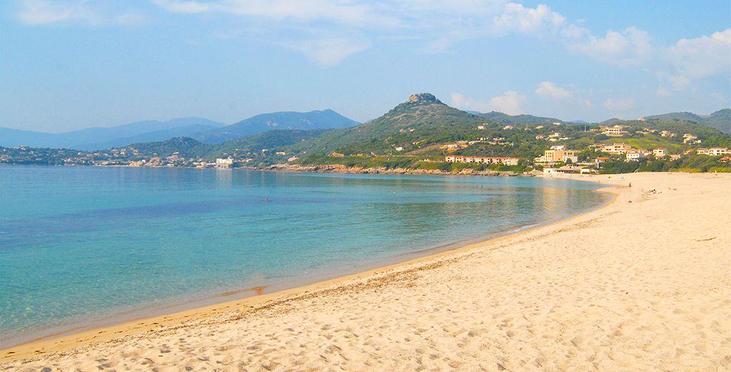 Bullez au bord de la plage d'Orcino...