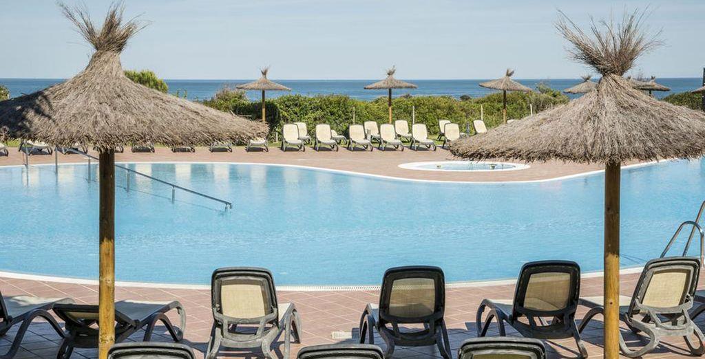 Les chaises longues vous attendent pour un séjour 100% farniente !