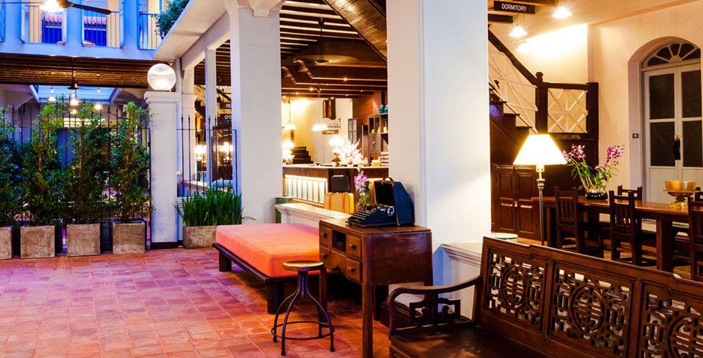 Vous apprécierez sa décoration de style loft aux inspirations sino-thaïes...