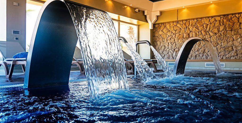 Laissez-vous séduire par une séance d'aquagym au Spa...