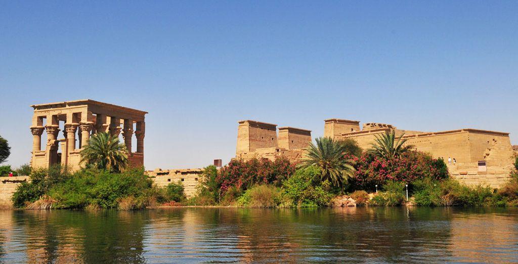 Découvrez les plus beaux vestiges d'Égypte, comme le temple de Philae à Assouan...