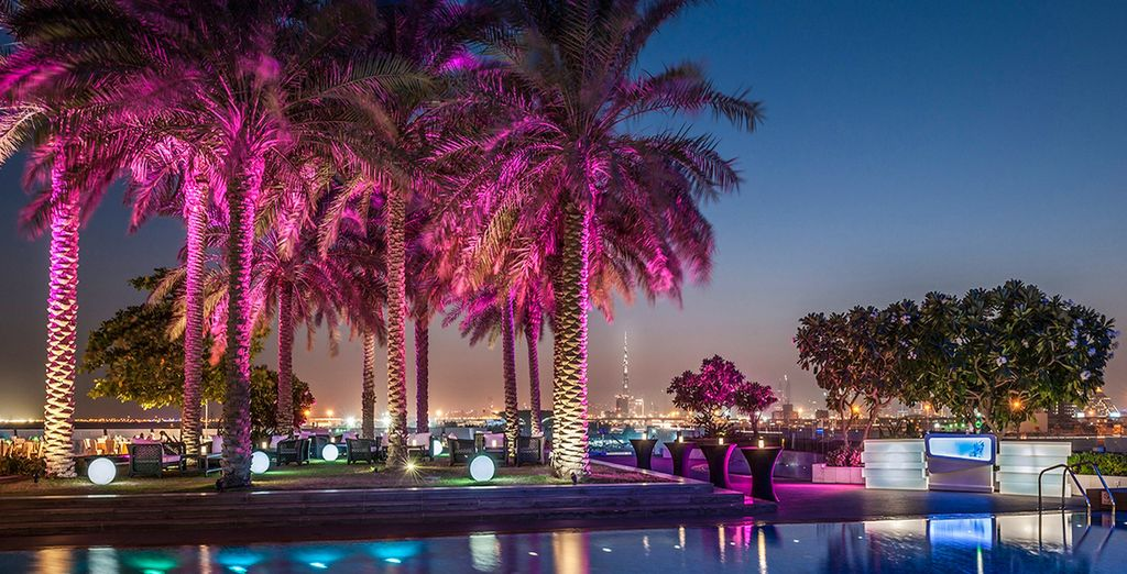 Au Crowne Plaza Dubai Festival City 5*