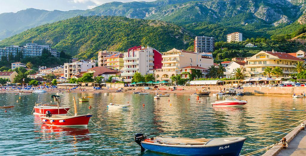 Vous aurez tout le loisir de visiter les alentours : Rafailovici, Becici, Kotor...