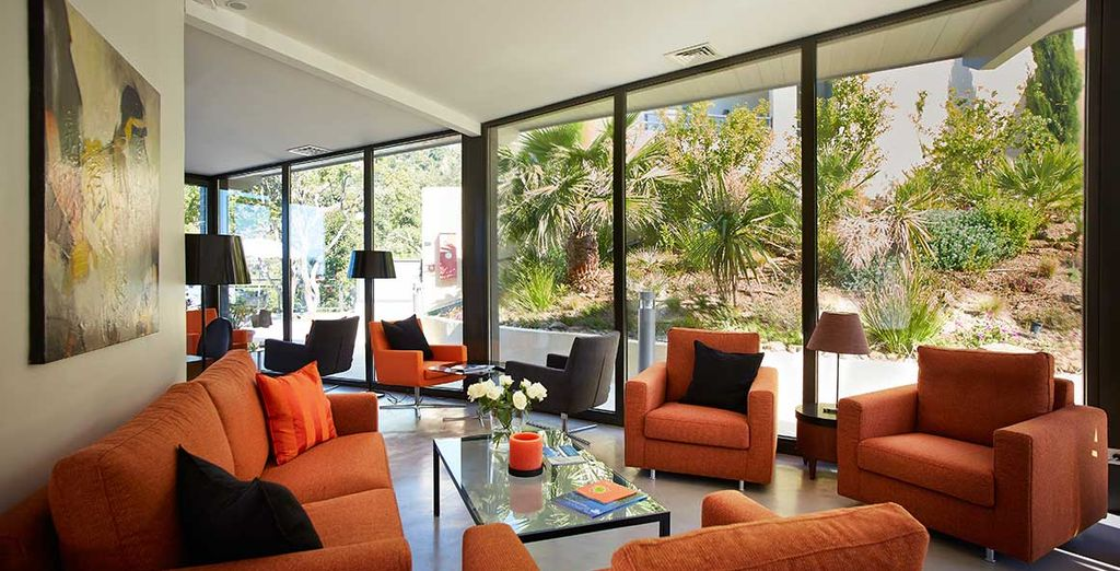 Laissez-vous séduire par l'atmosphère chaleureuse et le style contemporain des lieux...
