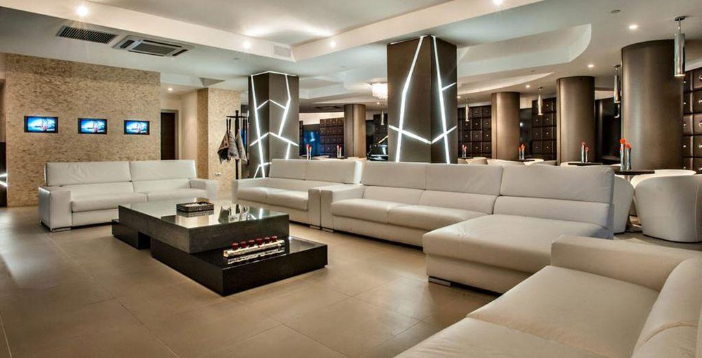 Installez-vous confortablement dans le lobby