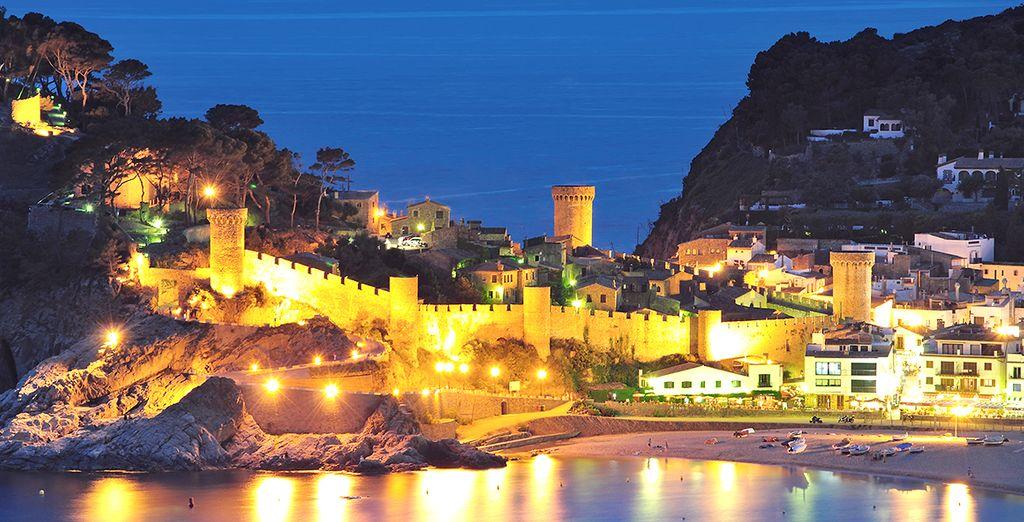 Rendez-vous dans le village pittoresque de Tossa de Mar