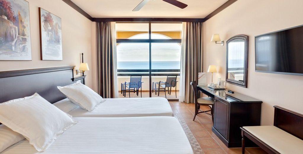 Profitez du confort de votre lumineuse chambre Standard ou Famille ou Premium Adult Only, selon vos envies