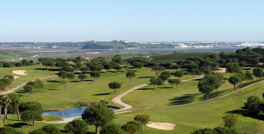 Le parcours de golf de 27 trous est parfait si vous êtes un expert ou débutant