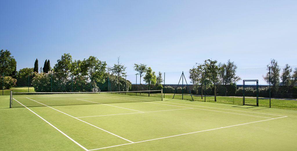 Amateur de sport ? Profitez du court de tennis