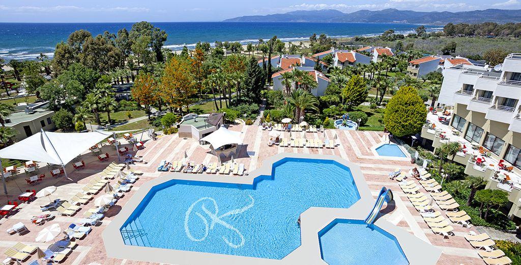 Envolez-vous sur la côte turque, entre jardins verdoyants et montagnes...