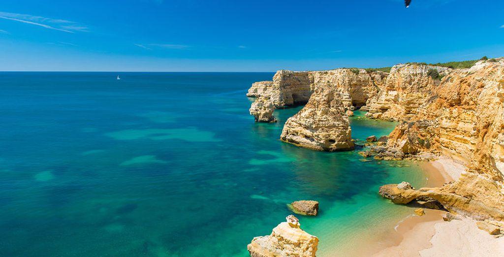 Partez également à la découverte de la région et de ses fabuleuses plages