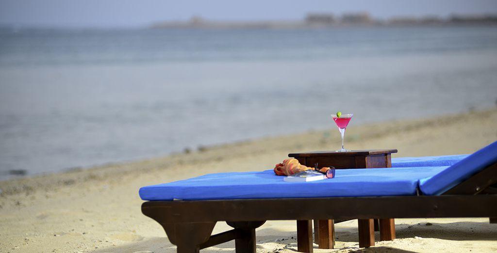 Relaxation au bord de la plage privée