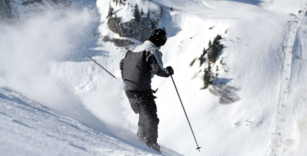 Choisissez entre ski ou surf, et dévalez les pistes