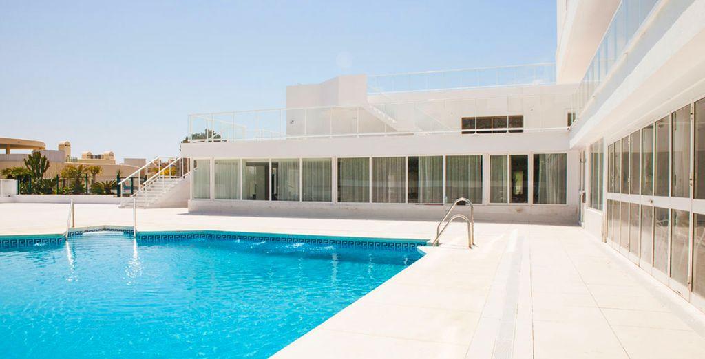 Du bleu, du blanc, du turquoise et du soleil... Bienvenue au Ibersol Alay !