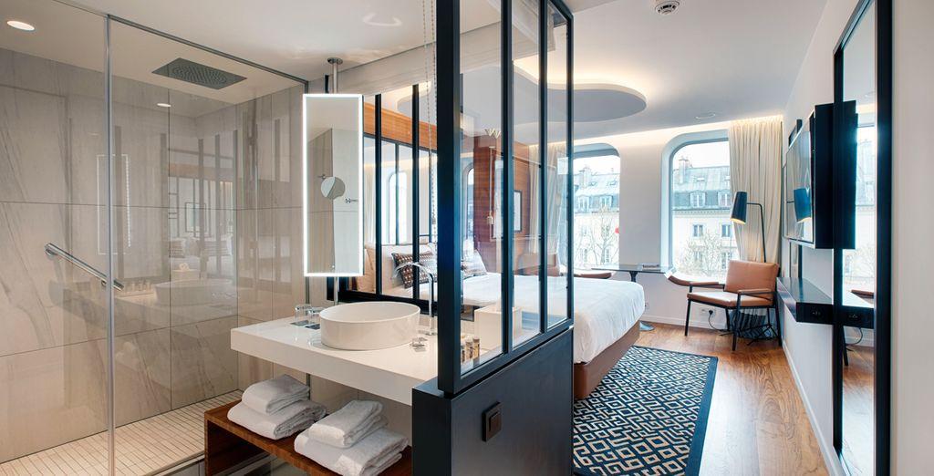 Avec sa très belle salle de bains ouverte