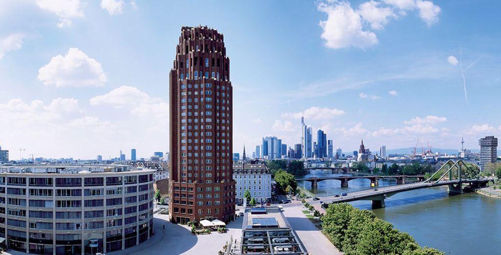 Venez vous installer sur les rives du Main dans l'imposant Lindner Hotel & Residence Main Plaza.