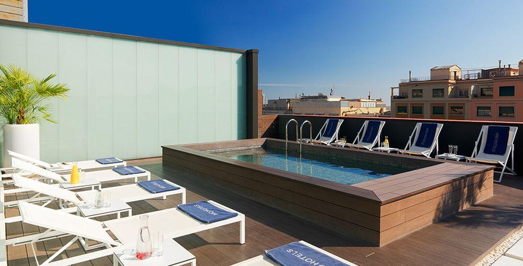 Offrez-vous un bain de soleil en terrasse grâce aux douces températures de l'arrière-saison