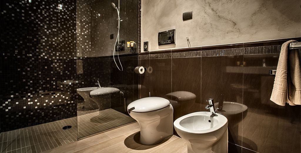 Et profiterez d'une élégante salle de bains, avec douche italienne
