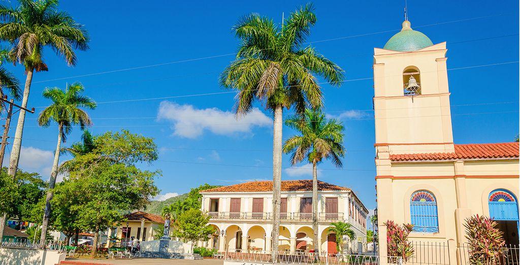 Puis rejoignez Viñales, une jolie ville