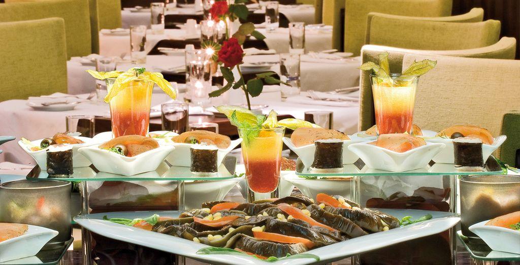 De savoureux repas vous attendent au Cortinthia Saint Petersbourg