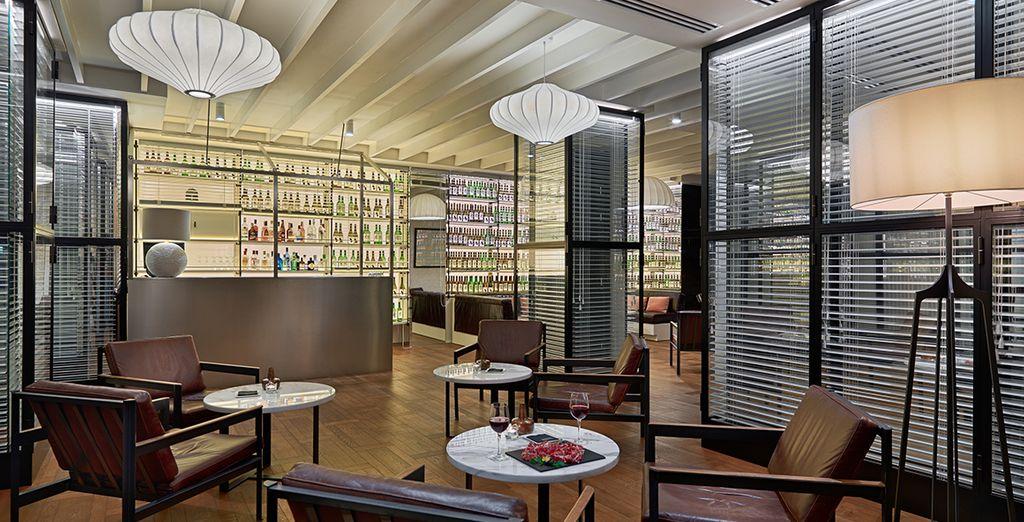 Le soir venu, vous aimerez vous détendre dans le confort du lobby-bar.
