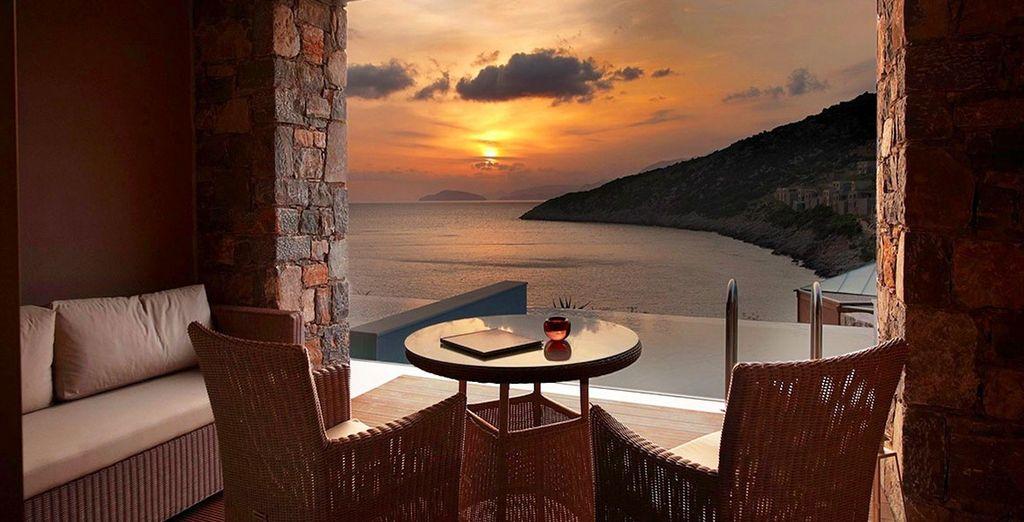 Et instant romantique au coucher du soleil