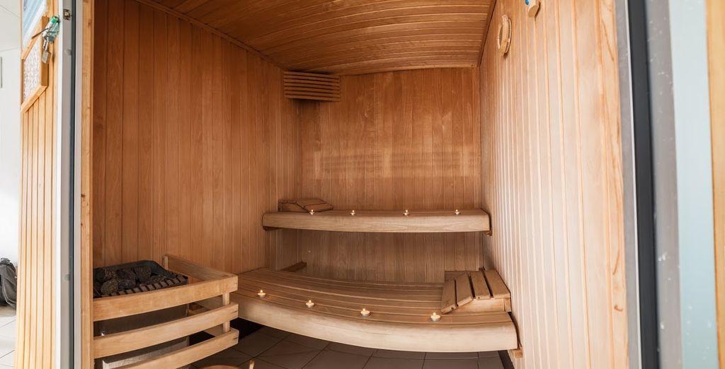 ...Et le sauna qui sauront vous relaxer en fin de journée...
