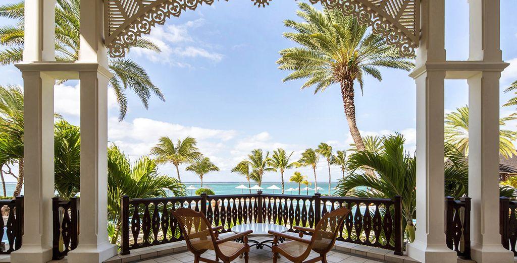 Hôtel de luxe en île Maurice avec terrasse privée et vue sur l'océan Indien et la plage privée