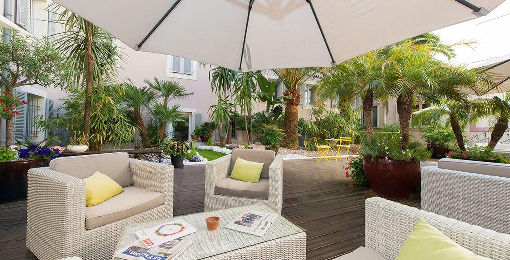 Hôtel Beau Rivage 4* avec Voyage Privé