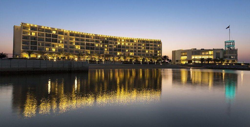 Et si vous souhaitez faire une étape à Oman, vous poserez vos valises au Millenium Mussanah