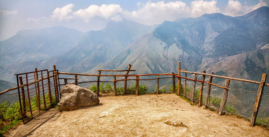 Jusqu'aux paysages somptueux des montagnes de Munnar...