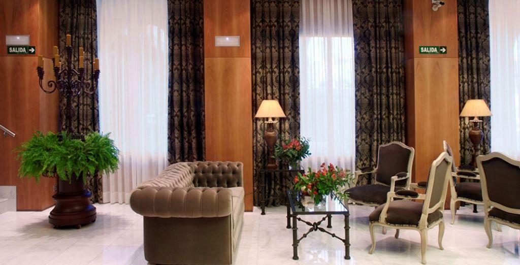 Vous pourrez vous installer confortablement dans le lobby