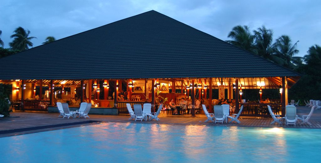 Installez-vous à l'Adaaran Resort Meedhupparu...