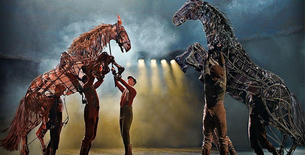 Découvrez la comédie musicale War Horse - Spectacle War Horse Musical + nuit d'hôtel au Cumberland Hôtel, à Guoman Hotel 4* Londres