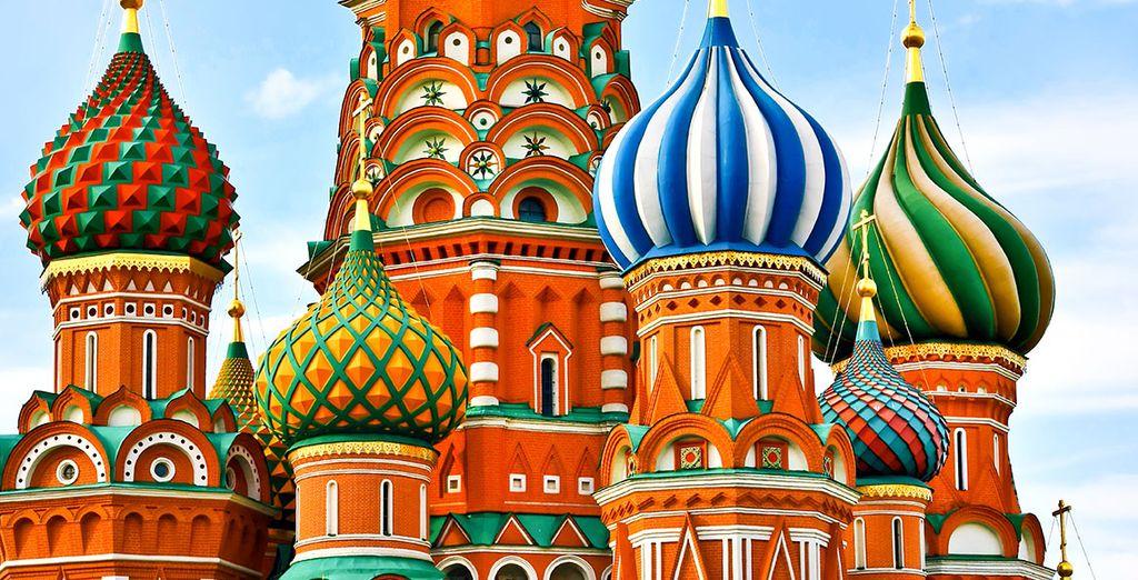 Émerveillez-vous devant la célèbre cathédrale Basile de Moscou