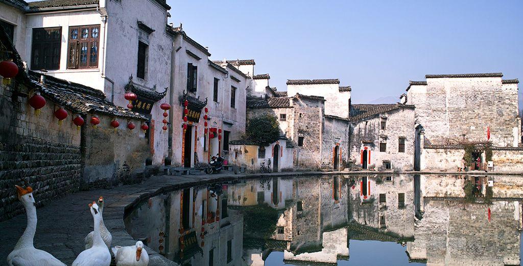 Après vous être mêlé à la population chinoise à Bishan, vous rejoindrez le petit village d'Hongcun