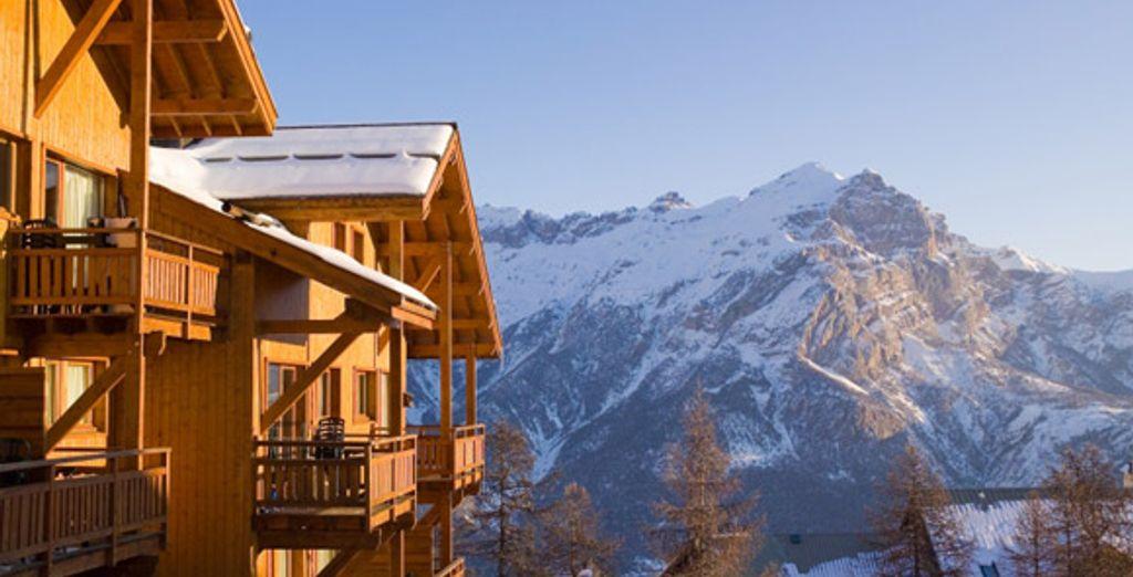 La résidence et la vue sur la montagne