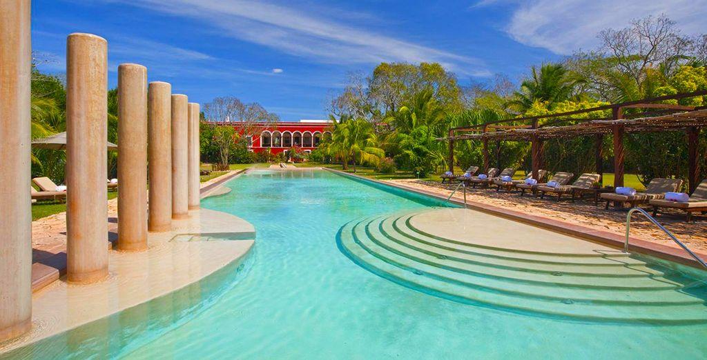 Poussez les grilles monumentales de la très chic Hacienda Temozon